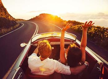couple-in-convertiblejpg