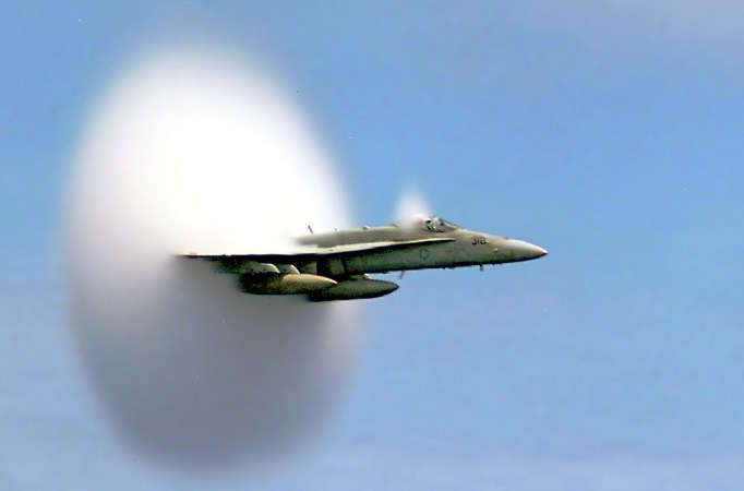 supersonic-jet-fighter-imagejpg